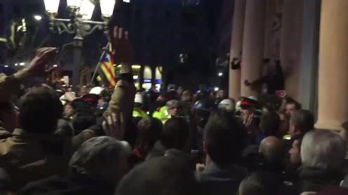 Spain: At least seven injured in Lleida during protest after Puigdemont arrest