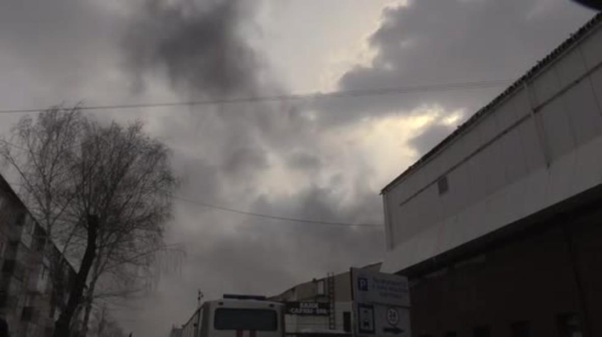 Rusia: Nuevo incendio en el centro comercial de Kemerovo un día después de la muerte de 64 personas