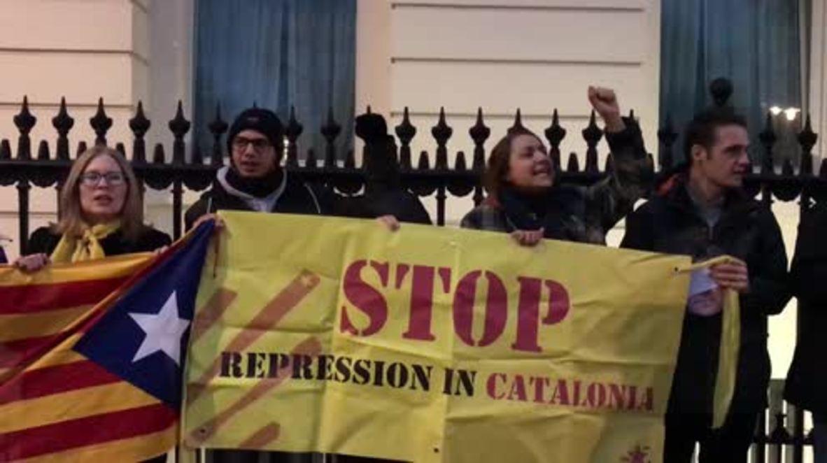 Reino Unido: Partidarios de Puigdemont se reúnen frente a la Embajada de Alemania en Londres