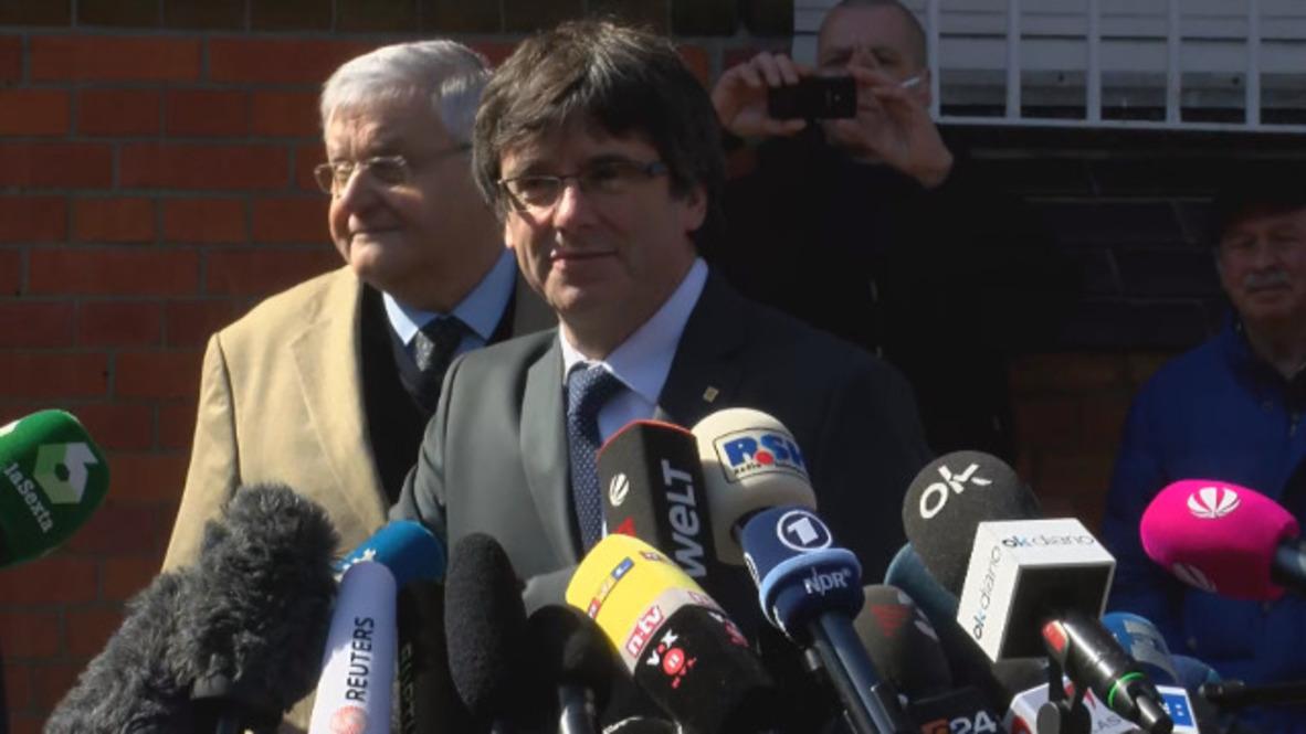 Alemania: Puigdemont sale de la cárcel alemana tras el pago de la fianza