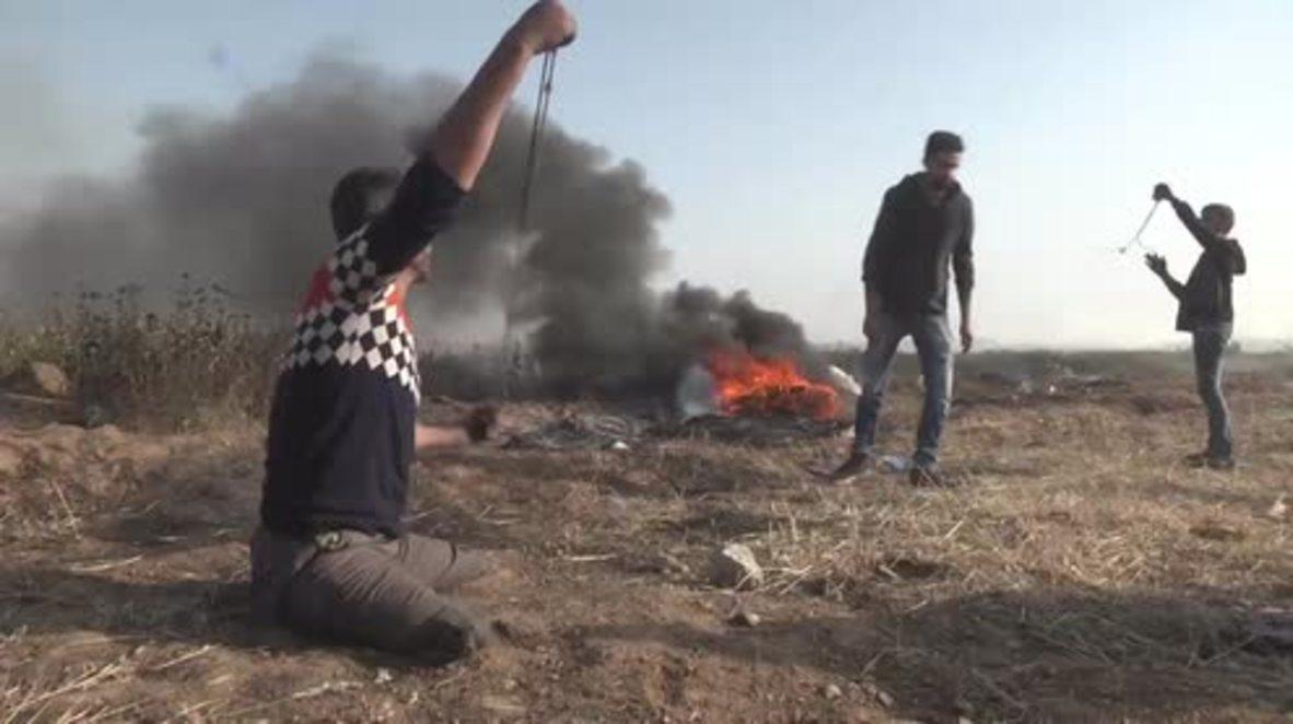 Estado de Palestina: Manifestante discapacitado lanza piedras contra posiciones israelíes
