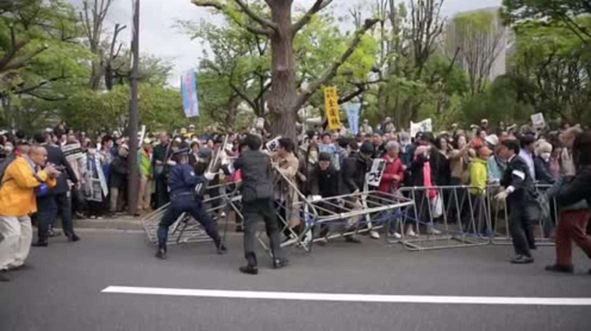 Japón: Miles de personas exigen la dimisión del primer ministro Abe en medio de un escándalo de corrupción