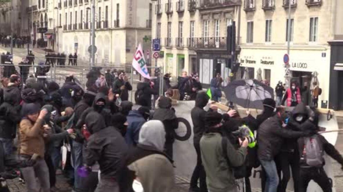 Francia: Policía usa gases lacrimógenos y cañones de agua mientras continúan los enfrentamientos con los activistas de ZAD