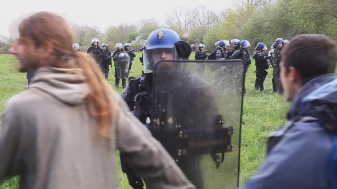 France: Dancing ZAD activists defy police in Notre-Dame-des-Landes
