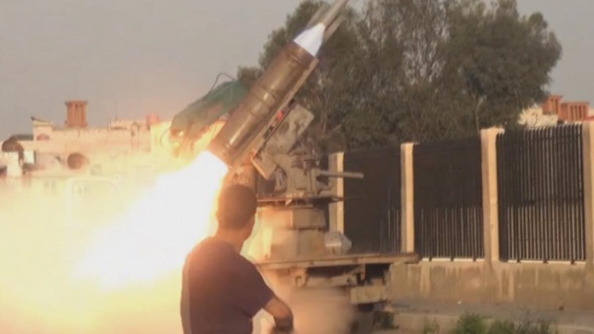 Siria: El Ejército Árabe Sirio comienza un intenso bombardeo de la posiciones de Estado Islámico al sur de Damasco