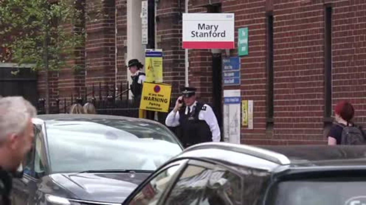 UK: Media, police gather outside St Mary's hospital as Kate Middleton gives birth