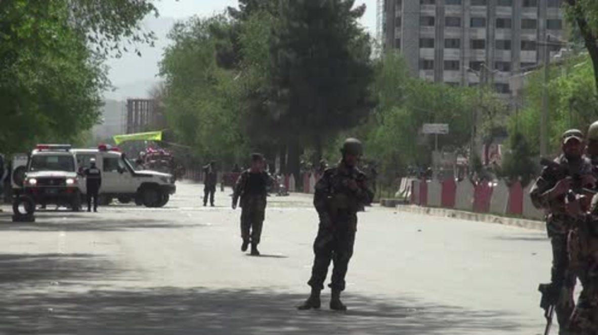 Afganistán: Al menos 25 muertos en Kabul tras dos explosiones cerca de la sede de la OTAN