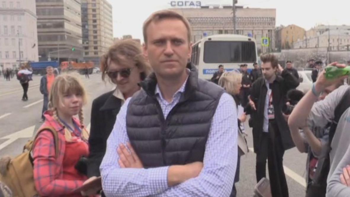 Russia: Navalny participates in rally against Telegram app ban