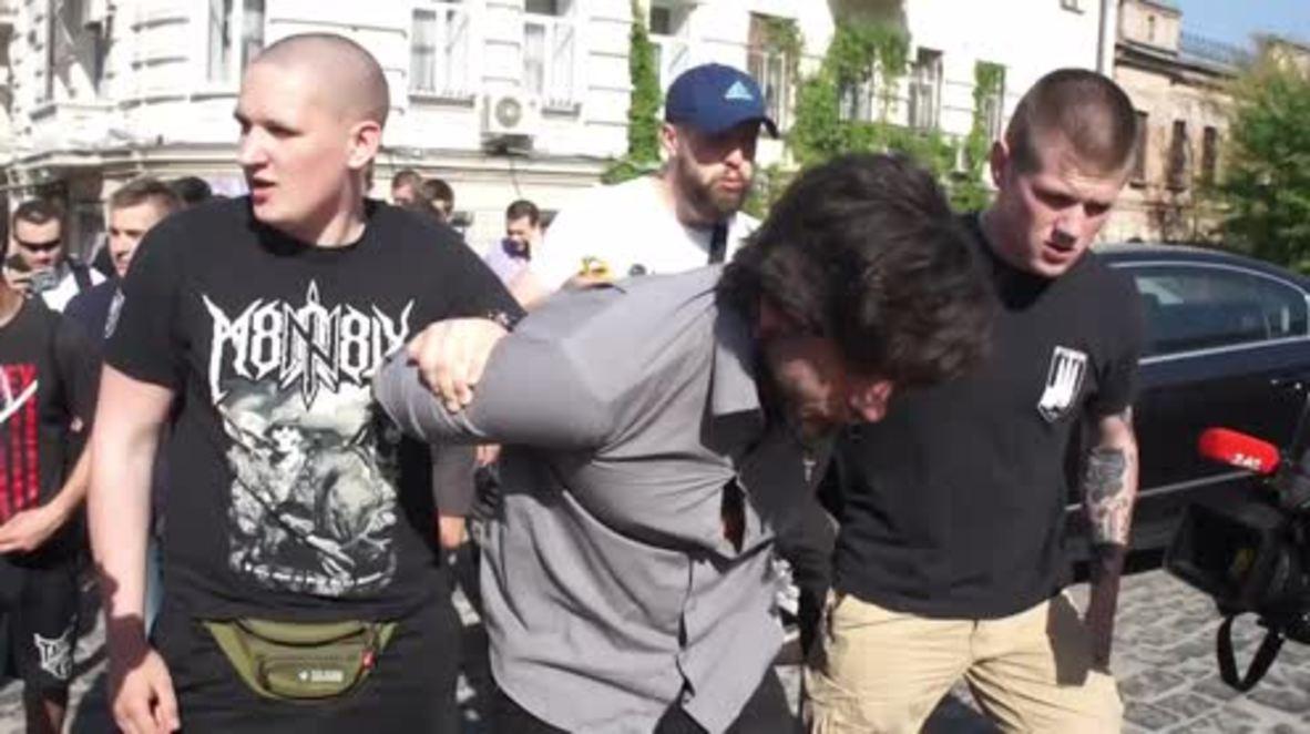 Ucrania: Los nacionalistas capturan al brasileño que luchó con las fuerzas LNR y DNR