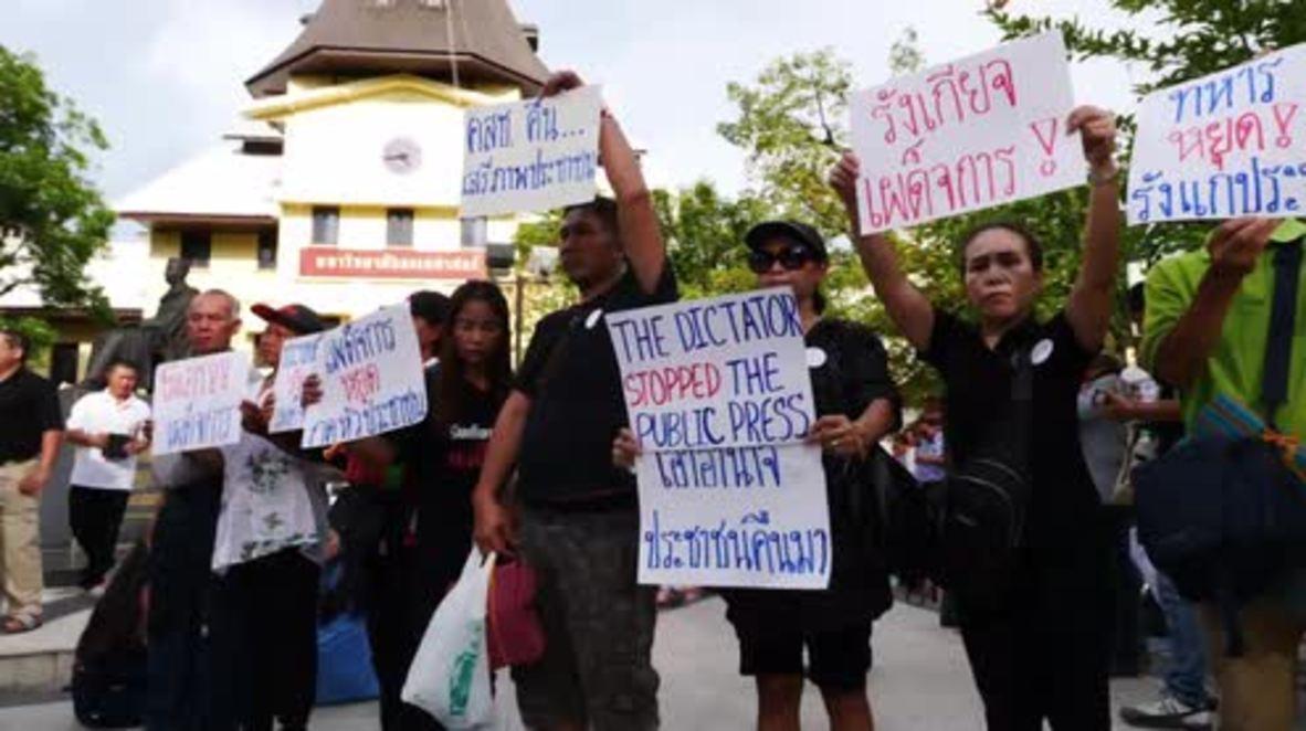 Thailand: Protesters in Bangkok's Thammasat University demand elections
