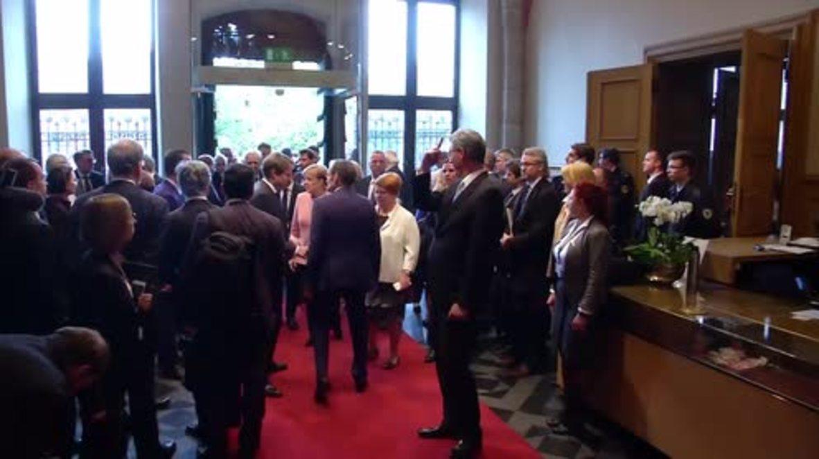 Germany: Macron, Merkel and Poroshenko meet in Aachen for Charlemagne Prize ceremony