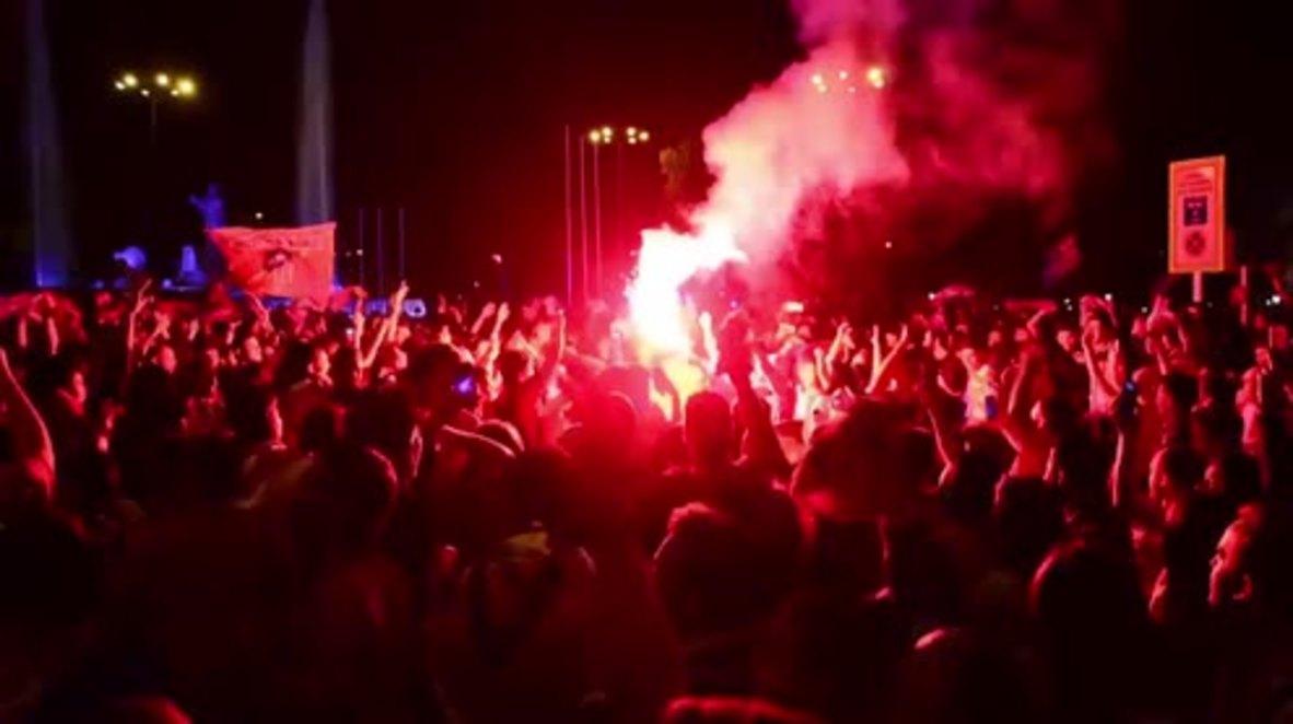 España: Euforia entre los aficionados del Atlético de Madrid tras ganar la Europa League