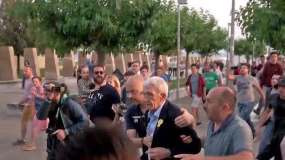 Greece: Nationalist mob beats Thessaloniki mayor