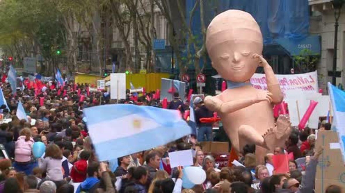 """Argentina: Miles de personas """"marchan por la vida"""" en Buenos Aires"""