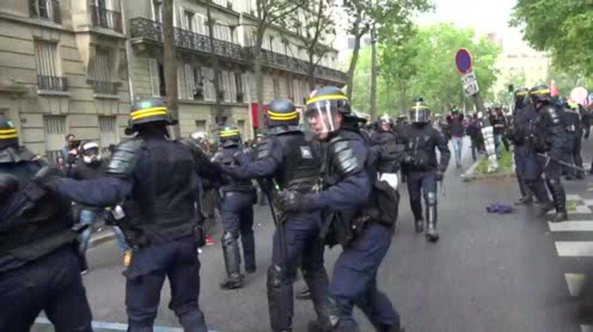 Francia: Enfrentamientos durante huelga en París