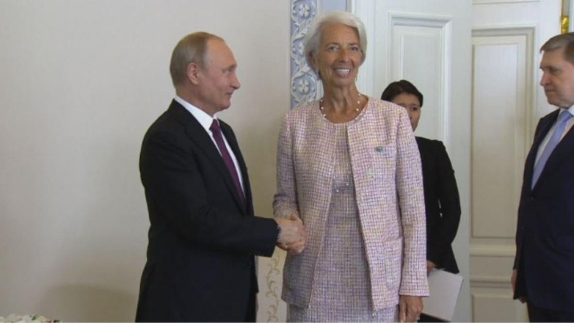 Russia: Putin meets IMF's Lagarde on sidelines of SPIEF