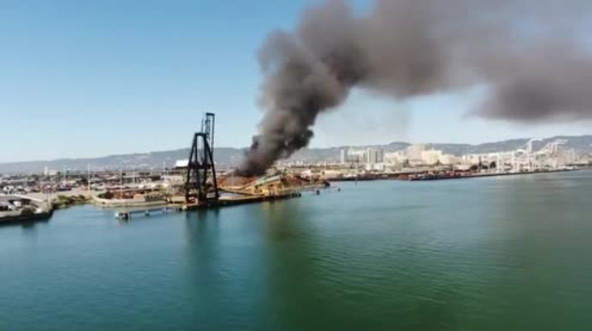 EE.UU.: Incendio en la planta de reciclaje de Oakland