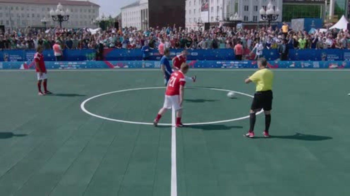 Rusia: Leyendas de la FIFA salen contra leyendas de Rusia en un partido de exhibición antes del Mundial