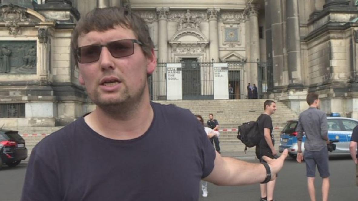 Germany: Witness recounts moment police shot knife-wielding man