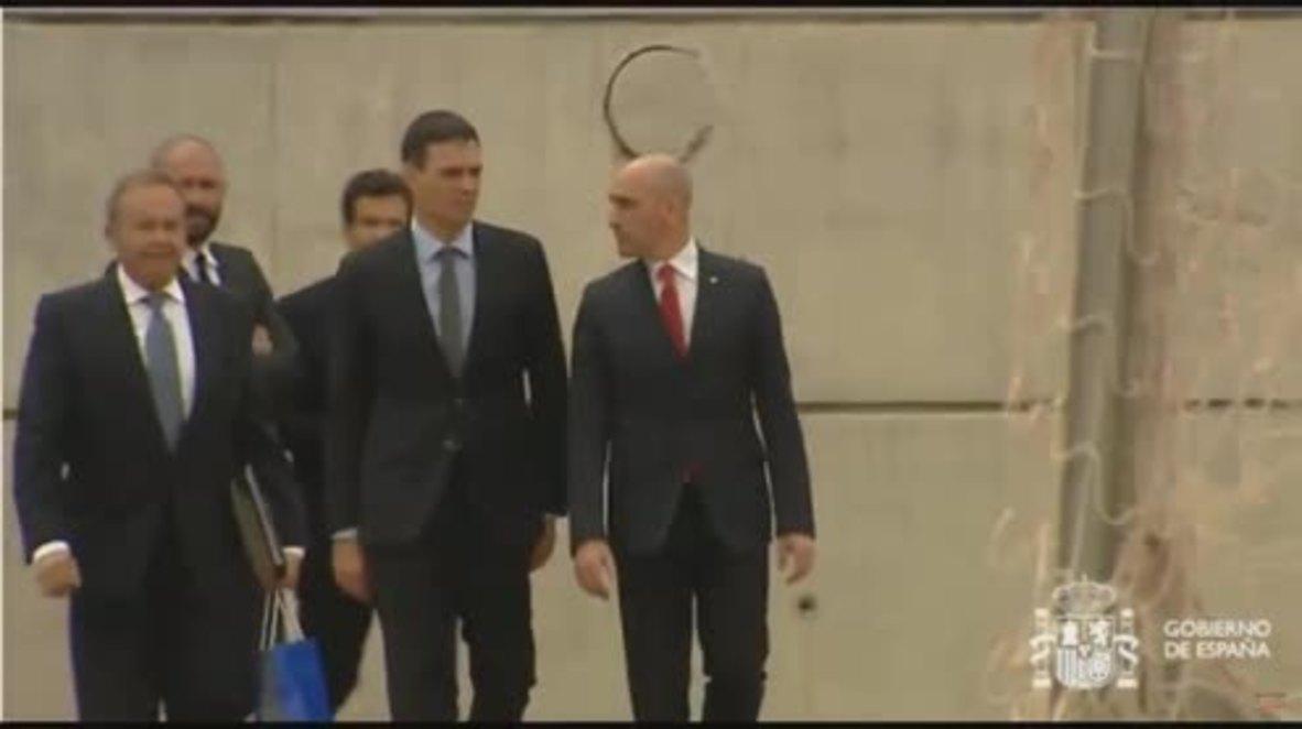 España: El nuevo presidente Pedro Sánchez visita a la selección de fútbol antes de su marcha al Mundial de Rusia