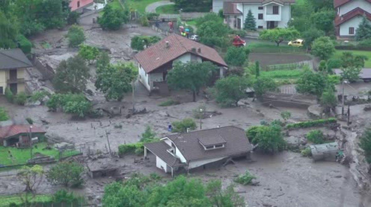 Italy: Giant mudslide hits Alpine village