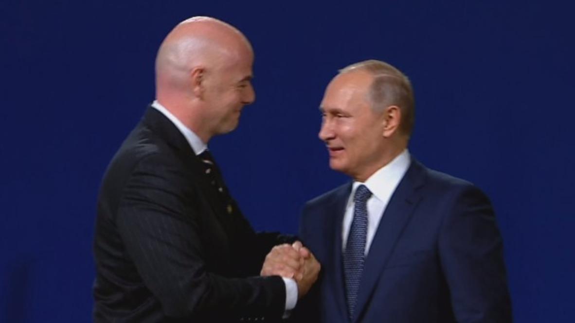 Russia: Putin praises FIFA's commitment to 'sports without politics'