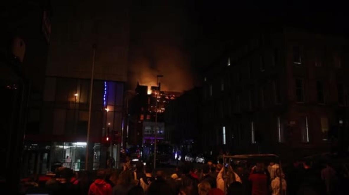 UK: Un incendio arrasa la Escuela de Arte de Glasgow por segunda vez