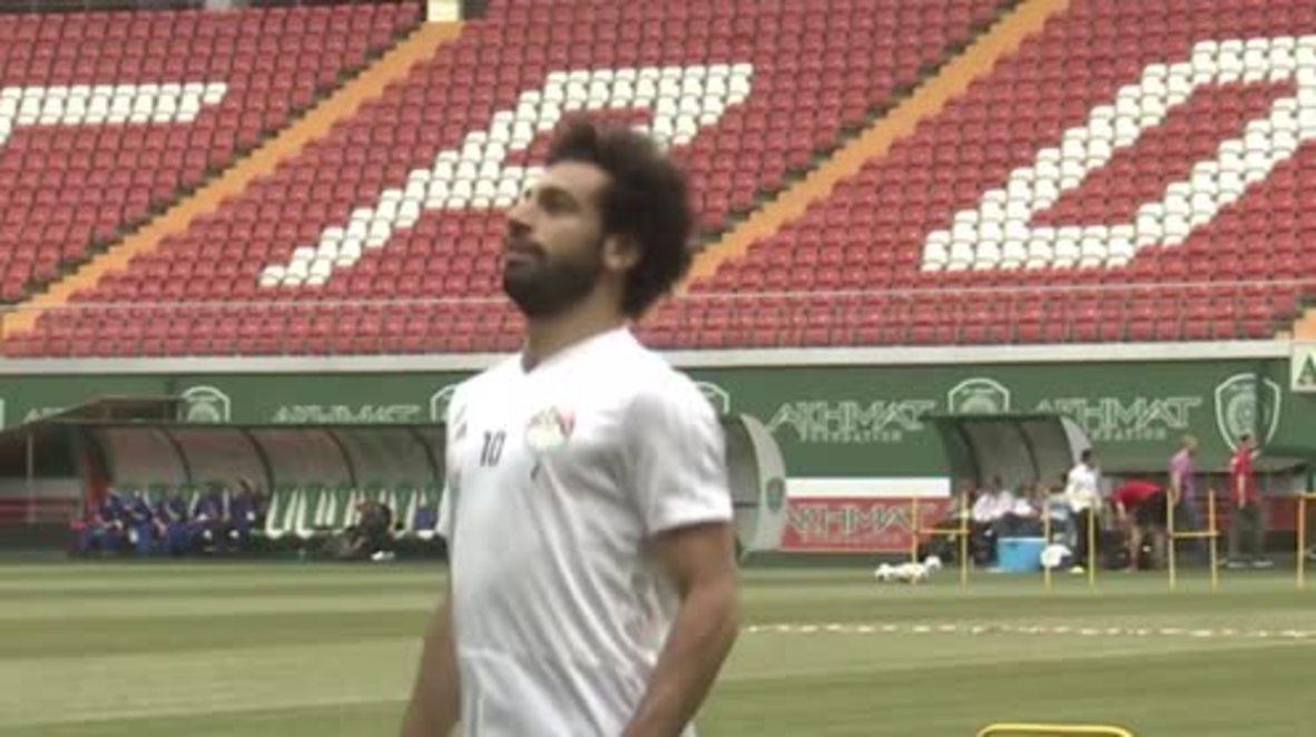 Rusia: Salah se entrena con el grupo antes de enfrentarse a Rusia