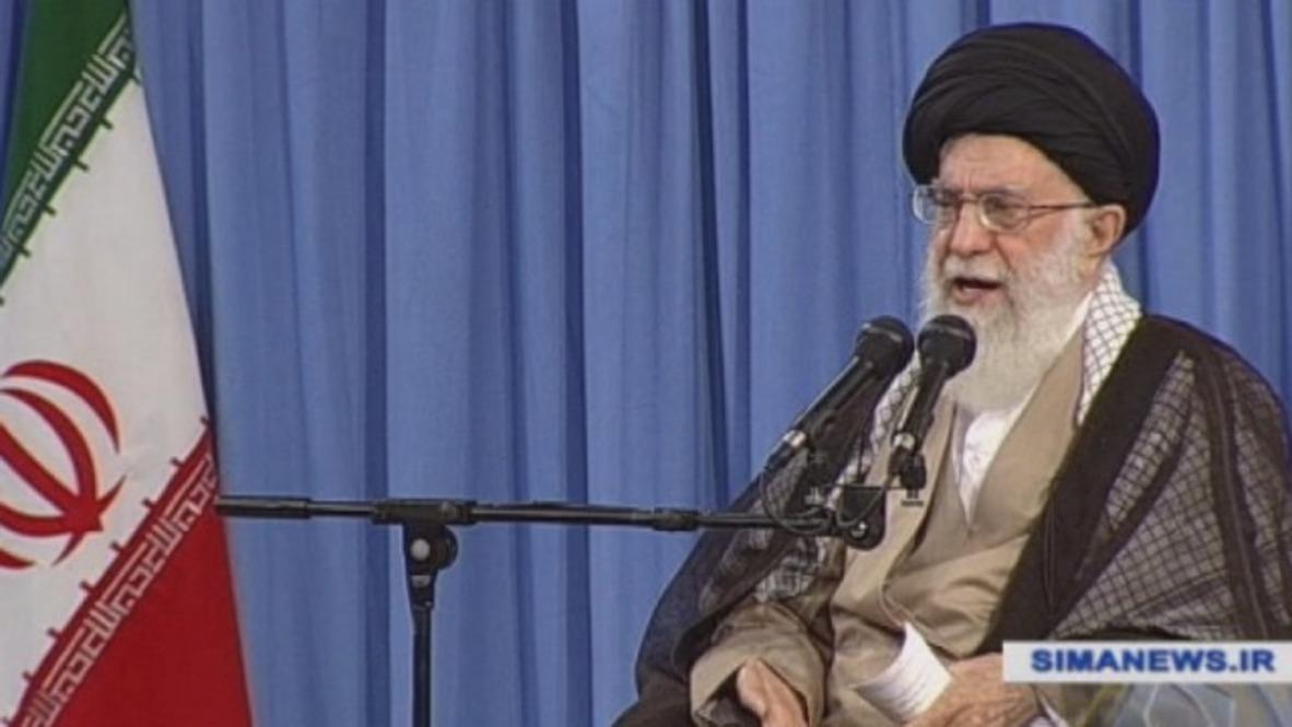 """Irán: """"Errónea y criminal"""" Jameneí critica las políticas de separación familiar de EE.UU."""