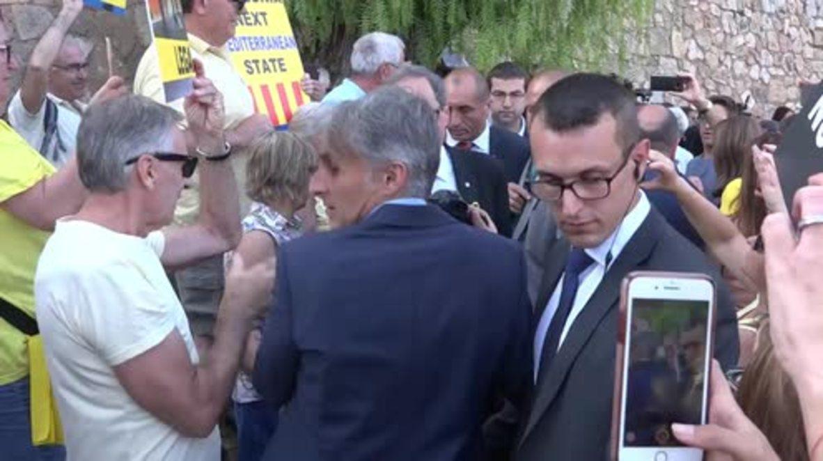 España: '¡Muerte a los Borbones!' - Tarragona protesta contra la visita del Rey Felipe