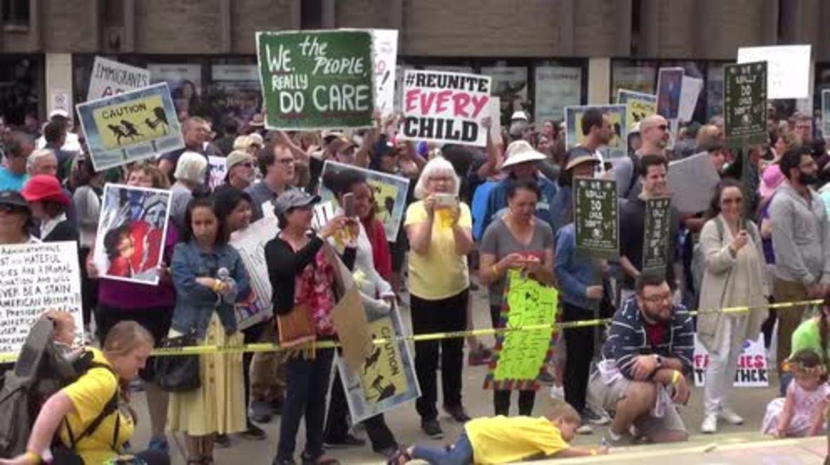 EE.UU.: Manifestantes se concentran en San Diego contra las separaciones familiares en la frontera con México