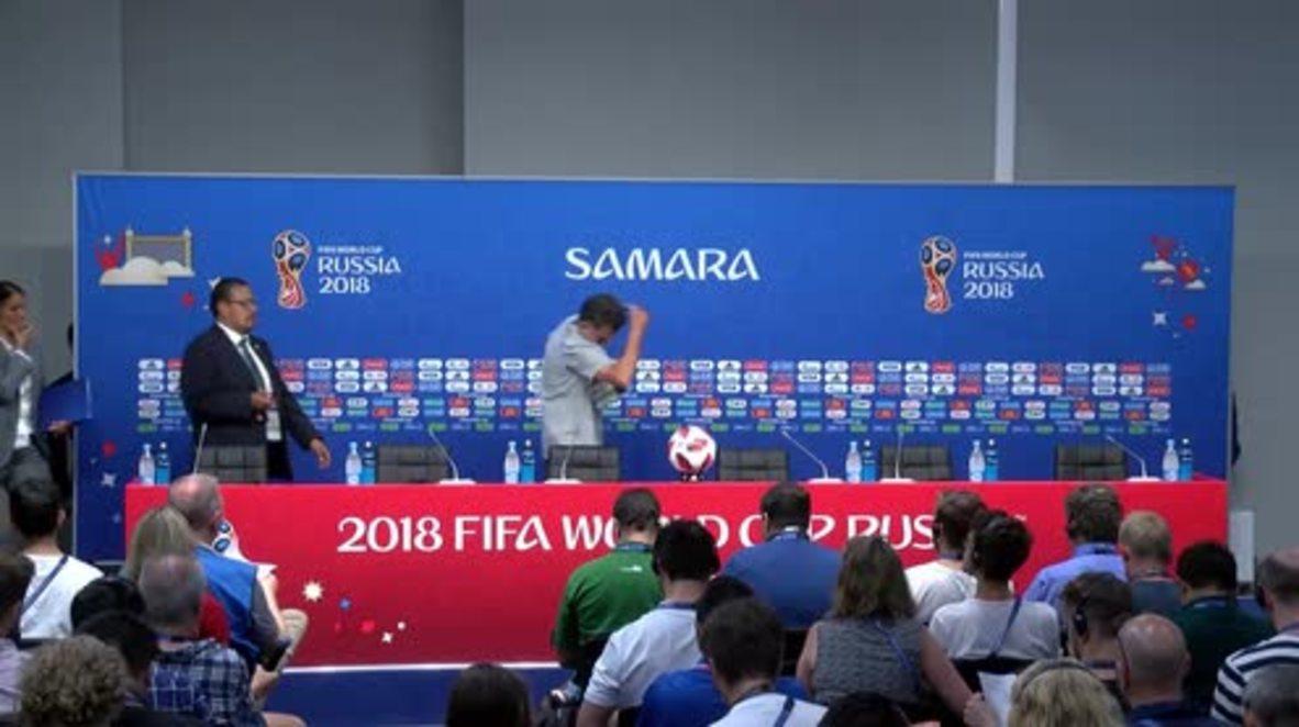 Russia: Mexico coach slams Neymar for 'clowning'