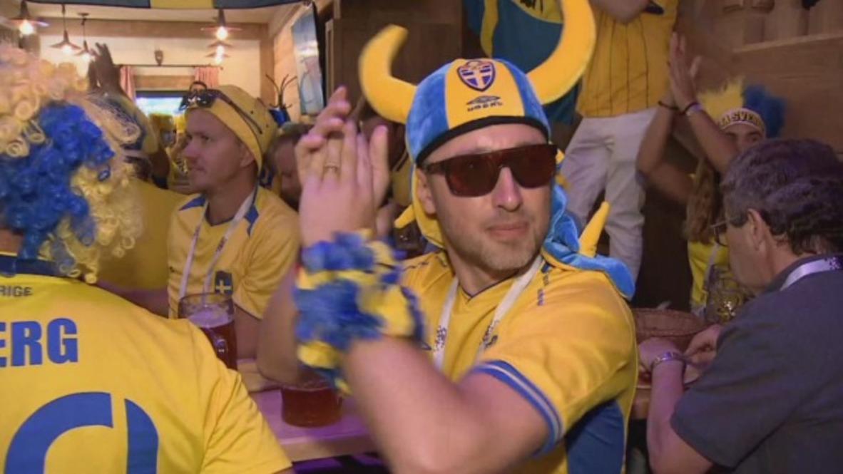 Rusia: Los hinchas suecos muestran su buen humor antes del partido contra Suiza