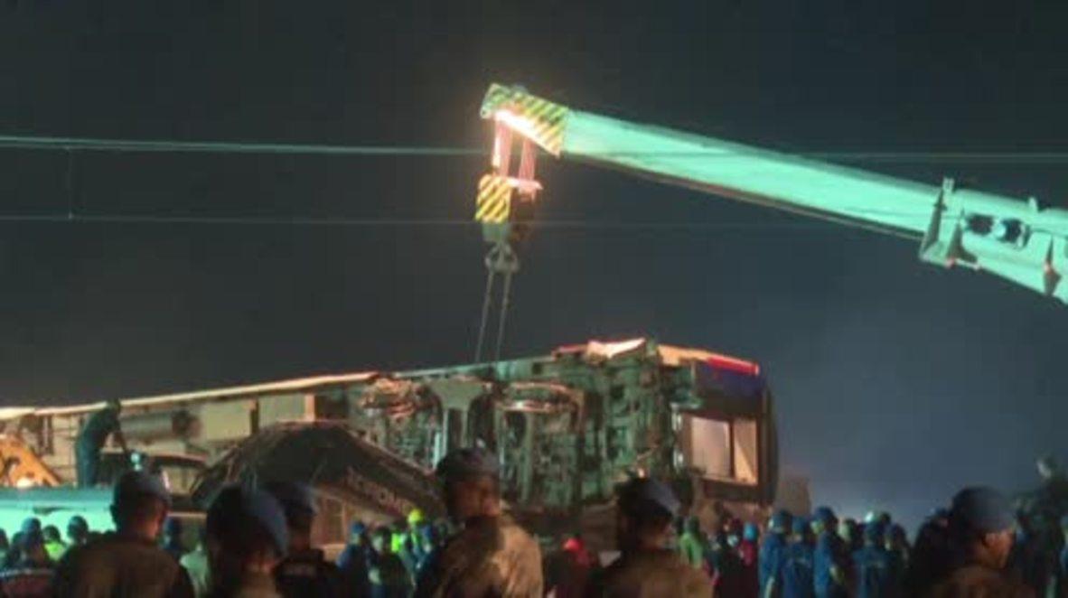 Turquía: Continúan las operaciones de rescate tras el descarrilamiento de un tren cerca de Tekirdag