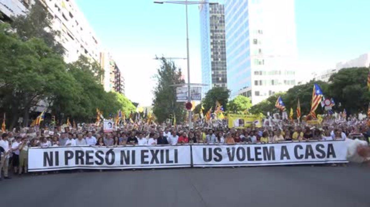 España: Marcha de solidaridad con los políticos catalanes encarcelados en Barcelona