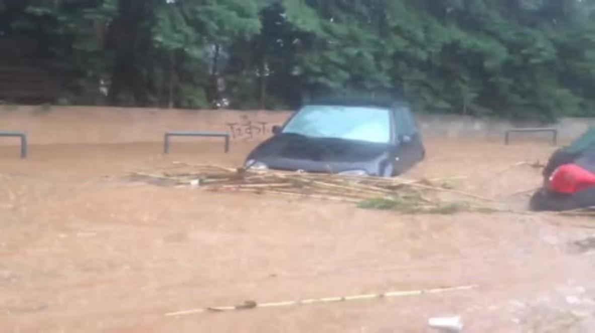 Greece: Athens suburb floods after downpour follows fires