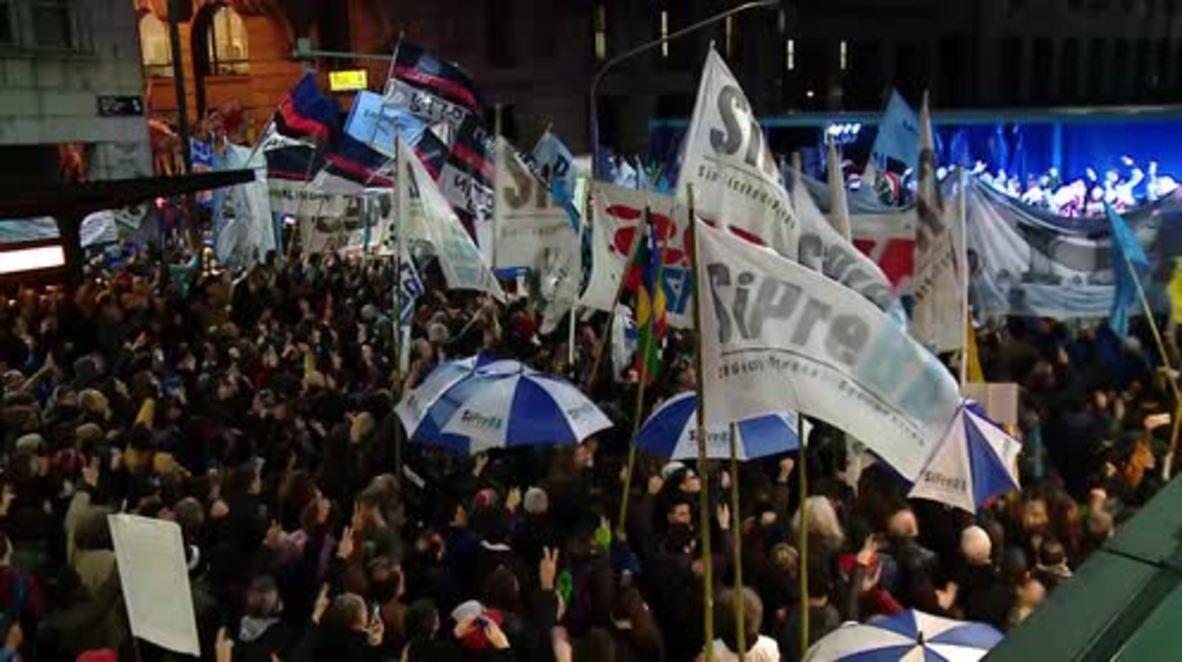 Argentina: Miles de personas protestan contra regreso de las Fuerzas Armadas a las calles