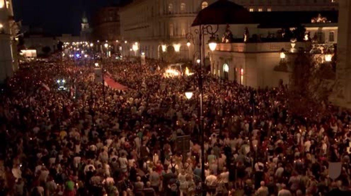 Polonia: La Policía usa gases lacrimógenos en las protestas contra la reforma judicial