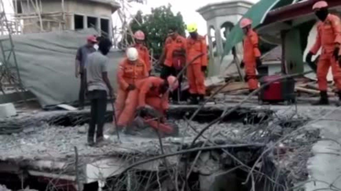 Indonesia: Officials continue desperate search for quake survivors