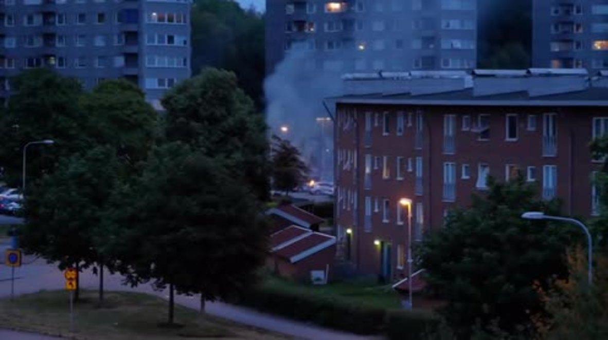 Sweden: 60 cars burn in youth gang arson attacks in Gothenburg
