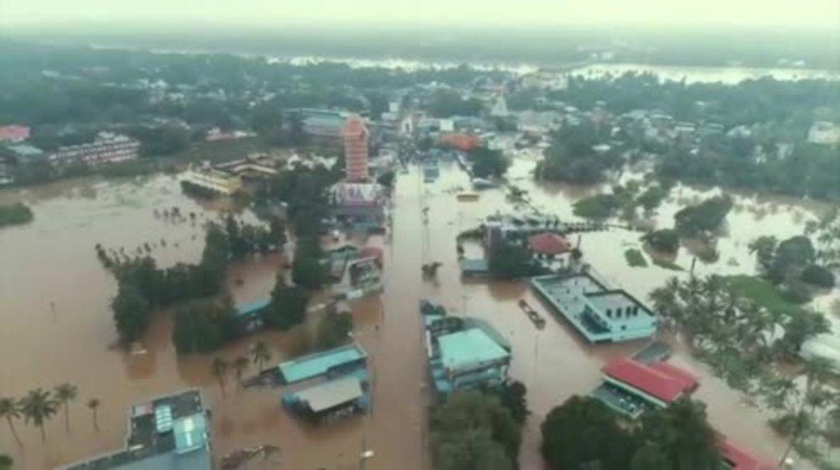 India: Las peores inundaciones en un siglo dejan 320 muertos y más de 200 personas desplazadas en Kerala