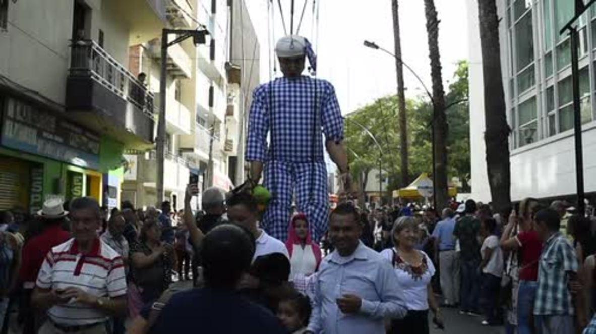 Fiesta of the Siesta! Colombians sleepwalk through World Laziness Day