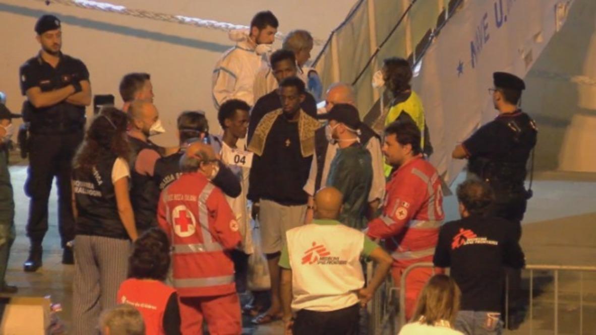 Italia: Salvini autoriza el desembarque de los 27 menores de los 177 migrantes bloqueados en el buque Diciotti