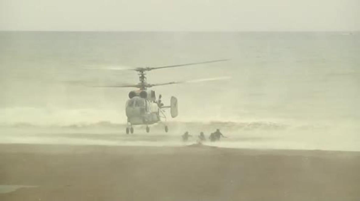 Siria: La infantería de la marina rusa muestra sus habilidades de aterrizaje en la costa de Latakia en Siria