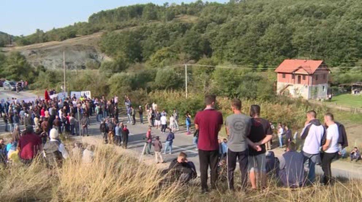 Serbia: War veterans block Serbian Pres. from reaching village in Kosovo