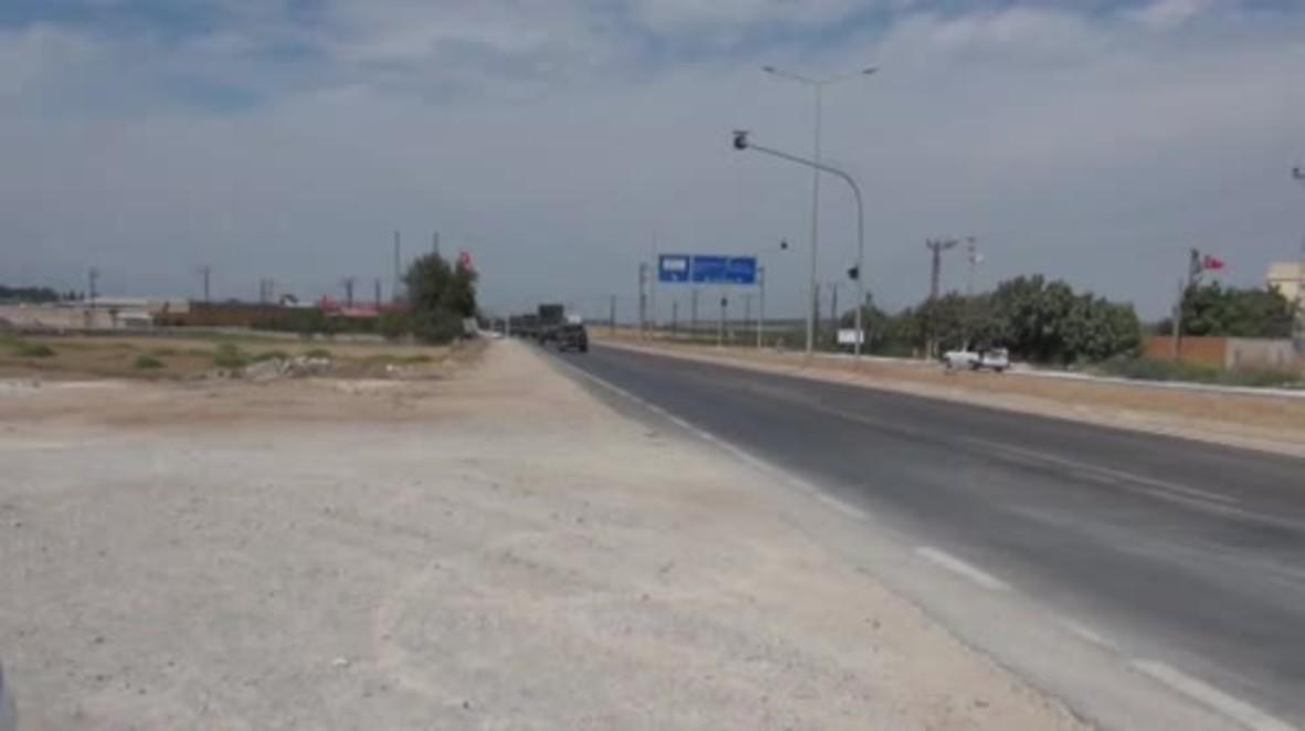 Turkey: Turkish military convoy heads to Syrian border