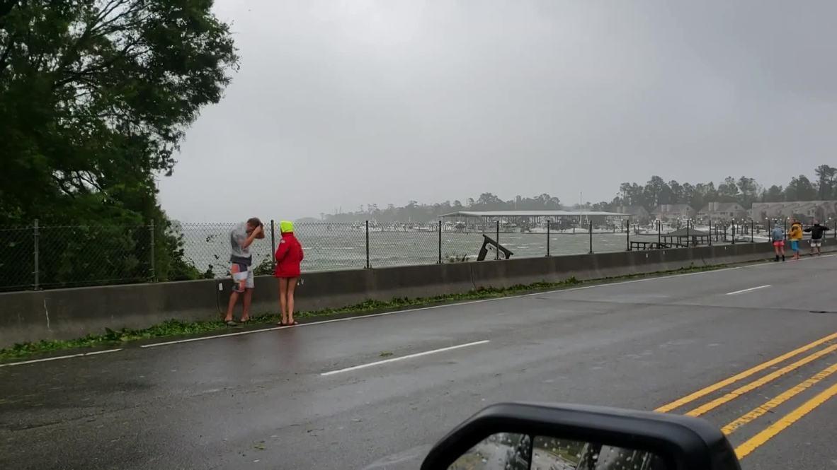 USA: Hurricane Florence floods and clobbers the Carolinas