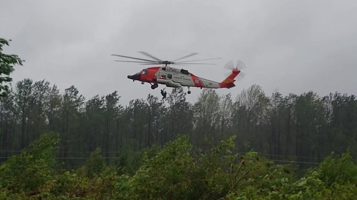 EE.UU.: Varias personas son evacuadas en helicóptero tras el paso del huracán Florence por Carolina del Norte