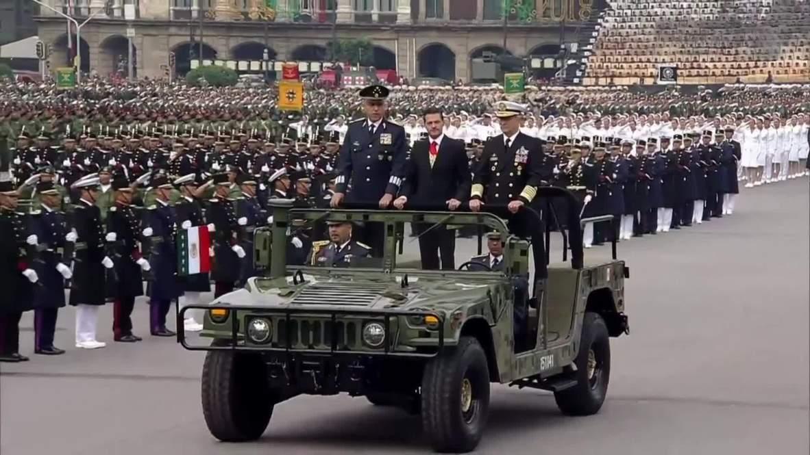 México: México celebra del Día de la Independencia con un desfile militar en El Zócalo