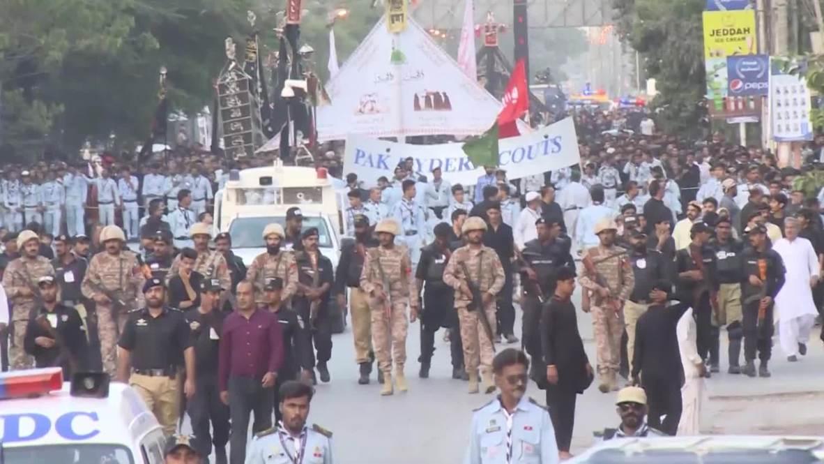 Pakistan: US, Israeli flags burnt during Ashura procession in Karachi